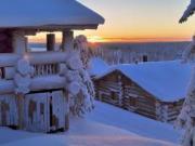 Деревенская баня зимой